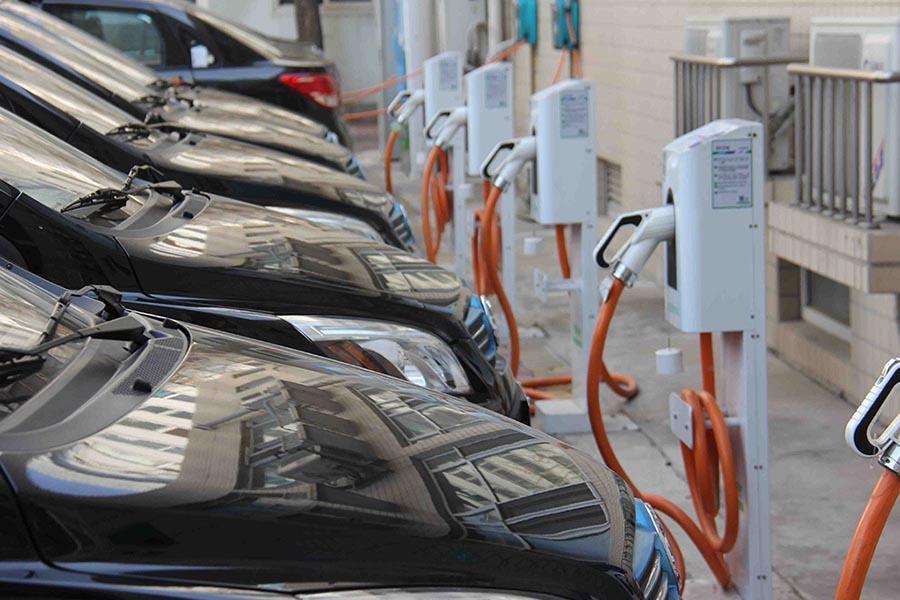 8月新增3959个 充电桩累计达27.9万个